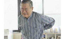 Đau nhức xương khớp là tình trạng xảy ra phổ biến ở người lớn tuổi