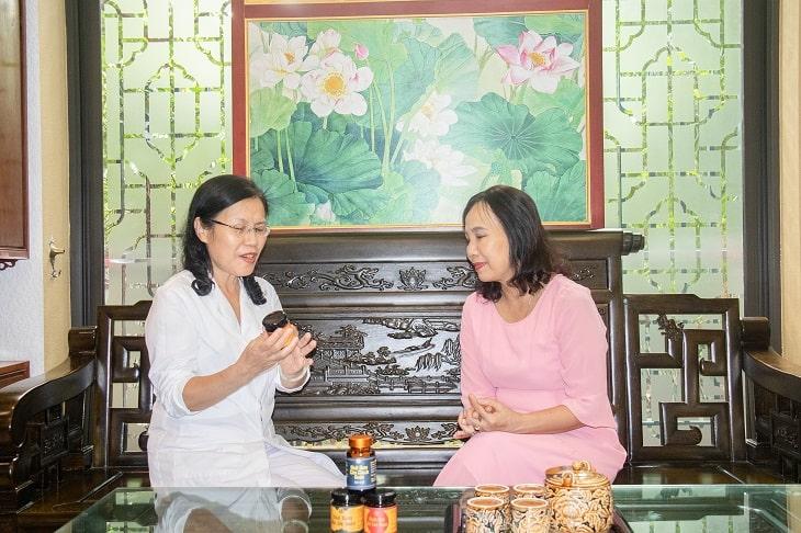 Ts.Bs Nguyễn Thị Vân Anh nhận định sỏi mật cần được điều trị tận gốc từ bên trong