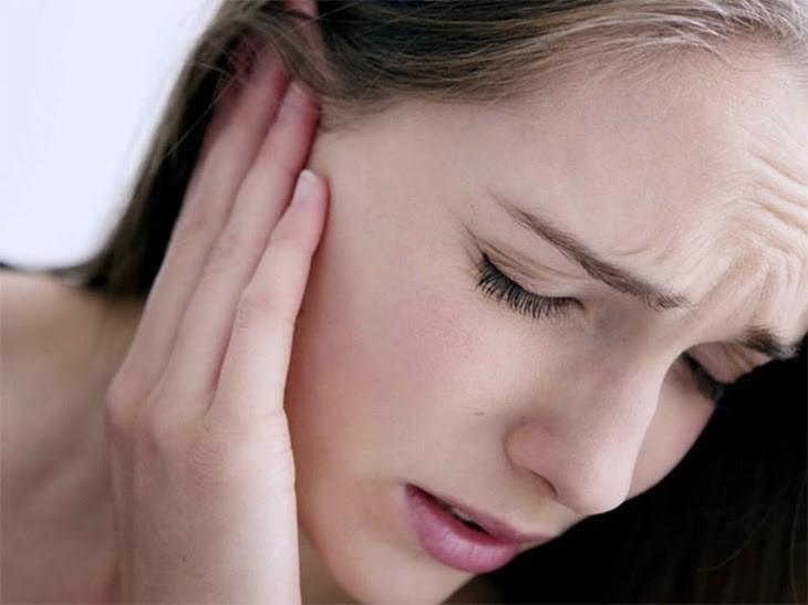 Ợ hơi bị đau tai đôi khi là dấu hiệu cảnh báo bệnh liên quan đến dạ dày