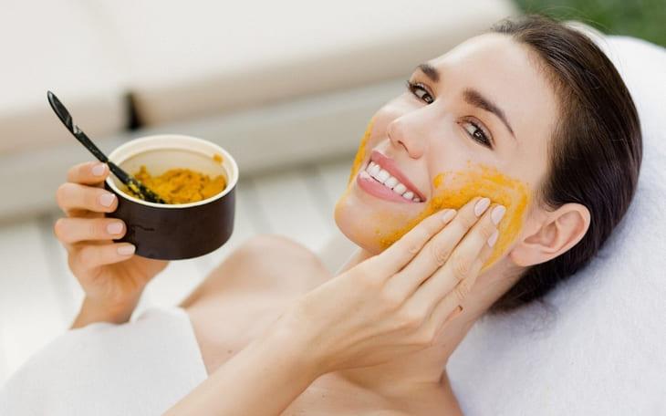 Tinh bột nghệ đắp mặt trị thâm, trị mụn, giảm lão hóa và làm trắng da cực kỳ hiệu quả