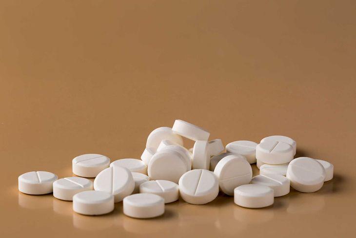 Người bệnh có thể uống thuốc Tây y chữa đau nhức xương khớp