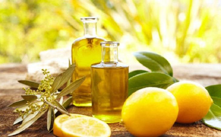 Trong chanh và ô liu có chứa hàm lượng lớn các loại vitamin nhóm C,E và các chất chống oxy hóa giúp thanh lọc, đào thải độc tố ra bên ngoài rất tốt
