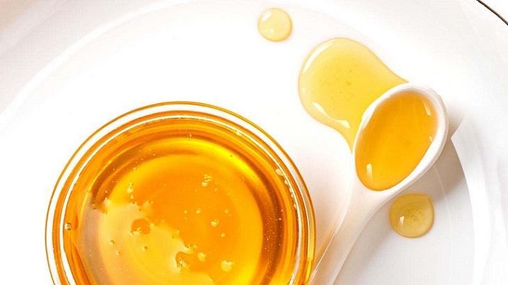 Cách chữa viêm da dầu ở mặt bằng mật ong