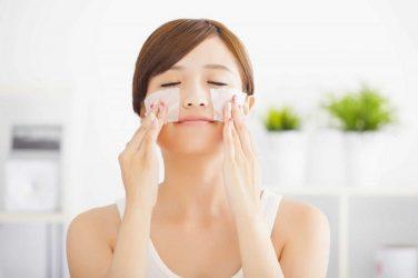 Người bệnh cần dưỡng ẩm và chăm sóc da tích cực