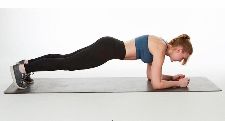 Plank - bài tập gym giảm cân phổ biến ở nữ