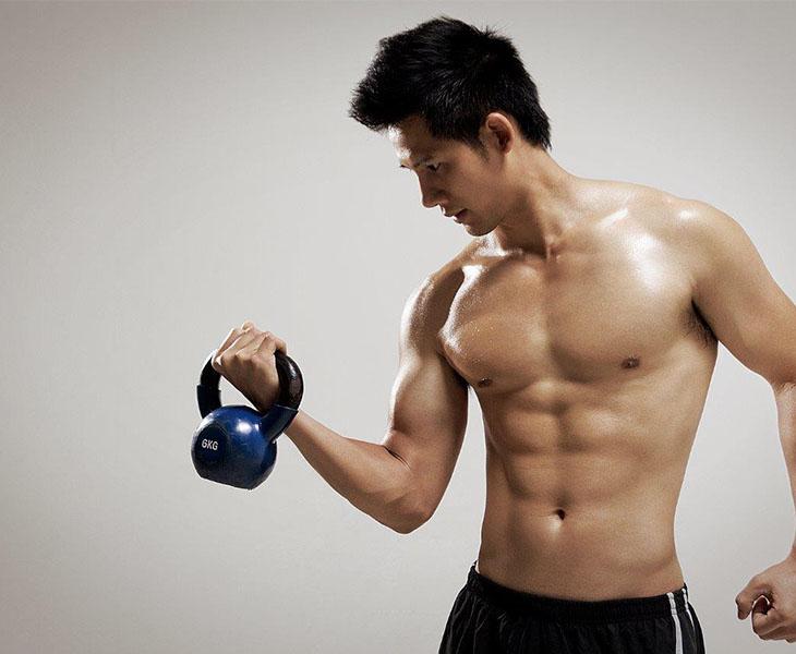 Tập gym là môn thể thao giúp tăng cường sức mạnh cơ bắp và giảm cân hiệu quả