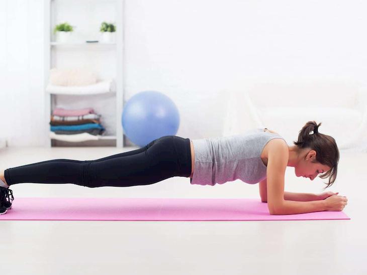Hướng dẫn tập gym tại nhà cùng với Plank