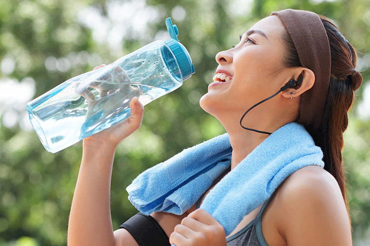 Bổ sung đủ nước trong quá trình tập luyện giảm cân