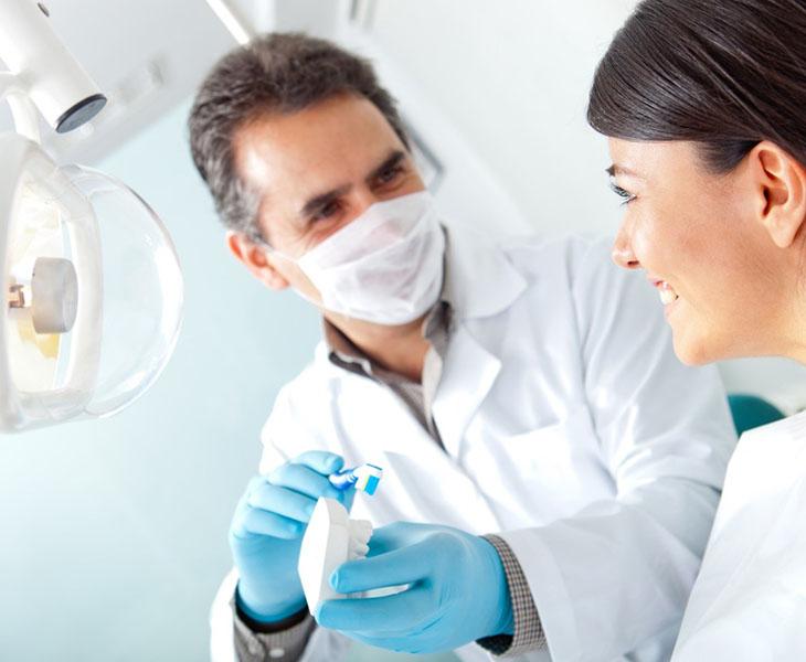 Khám nha khoa định kỳ là một trong những yêu cầu của việc chăm sóc răng miệng