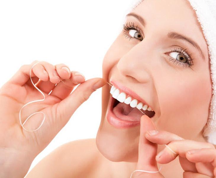 Chăm sóc răng miệng đúng cách giúp bạn có một hàm răng trắng sáng khỏe mạnh