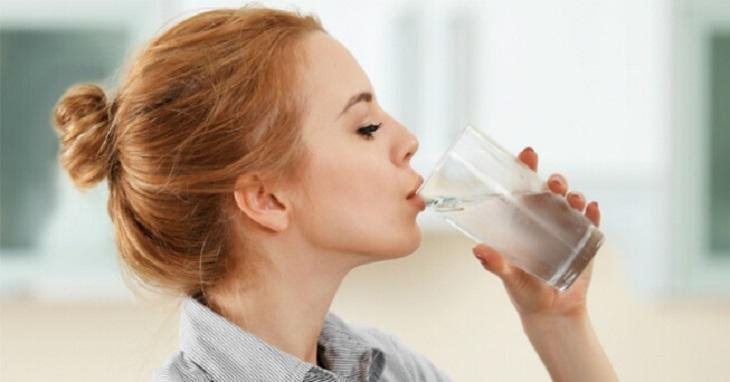 Cơ thể thiếu nước có thể dẫn đến tình trạng chuột rút