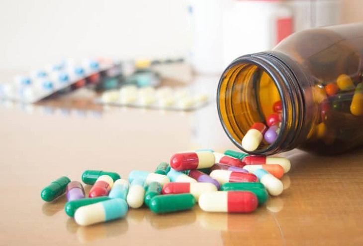Chuột rút bắp chân là tác dụng phụ khi sử dụng một số loại thuốc Tây