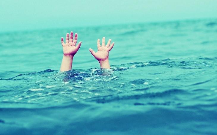 Bình tĩnh là điều tiên quyết khi gặp phải sự cố chuột rút trong lúc bơi