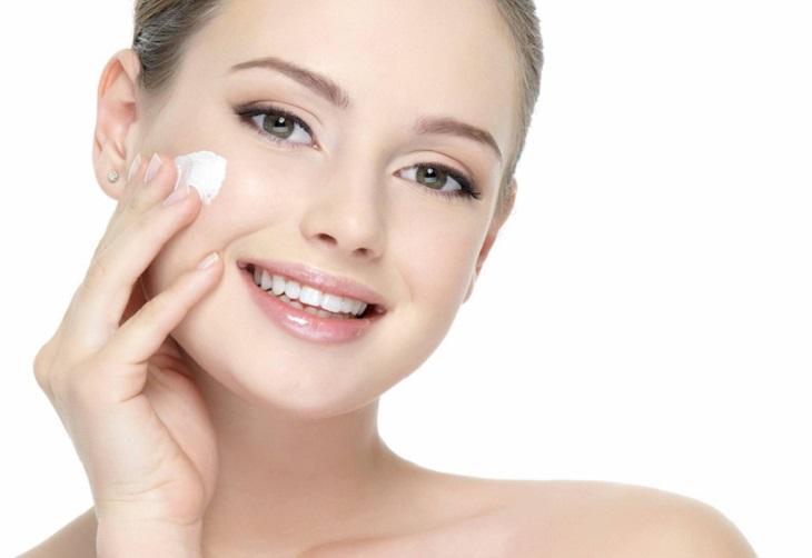 Da mặt khô nứt nẻ nên dùng kem dưỡng gì?