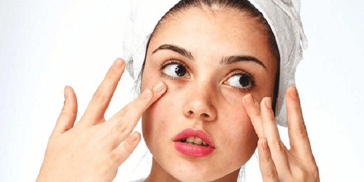 Da mặt khô nứt nẻ điều trị như thế nào mới đúng cách?