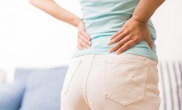 Đau 2 bên sườn sau lưng có nguy hiểm không? Cách điều trị