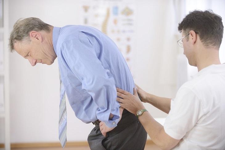Dù tình trạng đau như thế nào, người bệnh cũng không được chủ quan mà cần thăm khám ngay