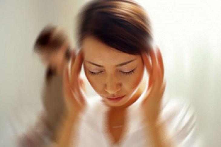 Đau đầu tim đập nhanh có thể là dấu hiệu của một số bệnh lý nghiêm trọng cần được điều trị sớm