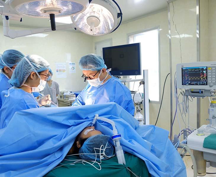 Bệnh nhân mắc đau dây thần kinh liên sườn ở mức độ nặng có thể được chỉ định phẫu thuật