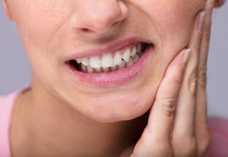 Bấm huyệt Khúc Nha chữa bệnh đau răng