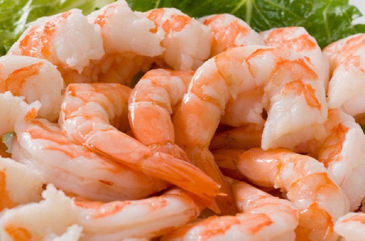 Khi mắc phải bệnh ho liệu có nên ăn tôm hay không?