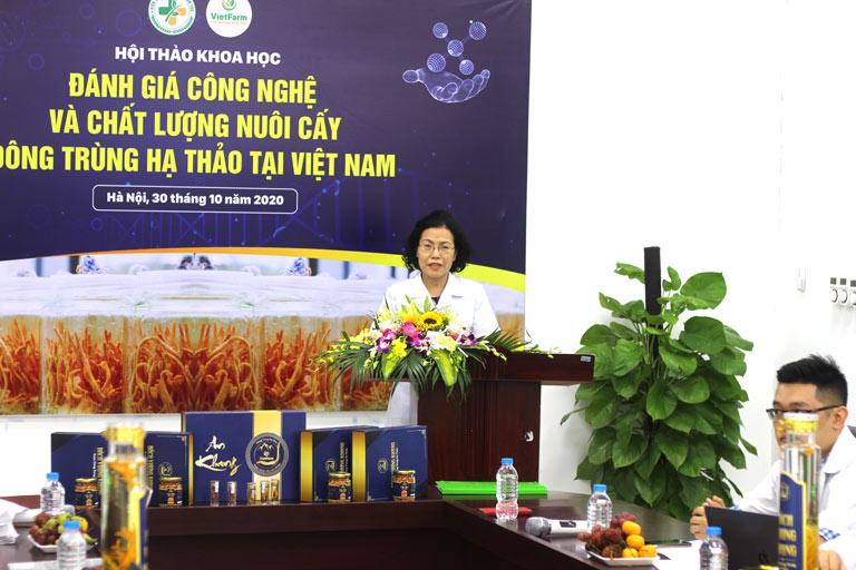 TS.BS Nguyễn Thị Vân Anh - Viện trưởng Viện nghiên cứu và phát triển Y dược cổ truyền dân tộc phát biểu về đề tài nghiên cứu mới