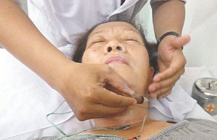 Có thể phối huyệt Liêm Tuyền với các huyệt đạo khác để điều trị bệnh