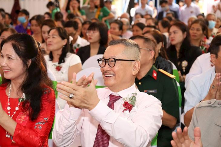 Nghệ sĩ Trần Đức tham dự lễ công bố thương hiệu CTCP Bệnh viện Đa khoa YHCT Quân dân 102