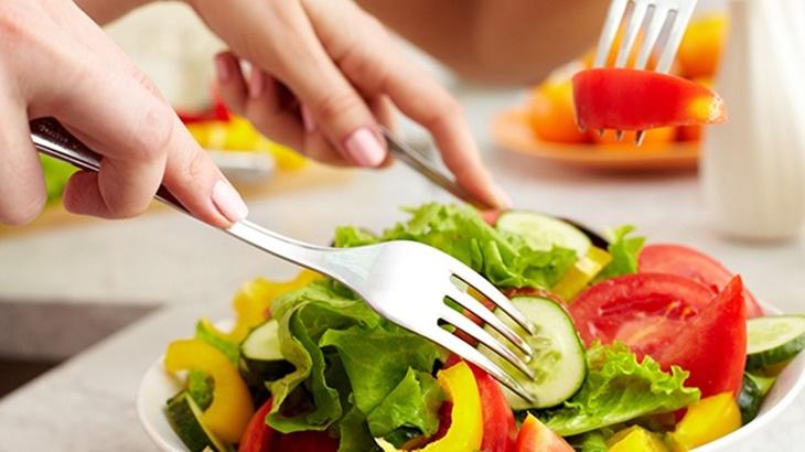 Thay đổi chế độ ăn uống cũng giúp cải thiện bệnh nhanh chóng