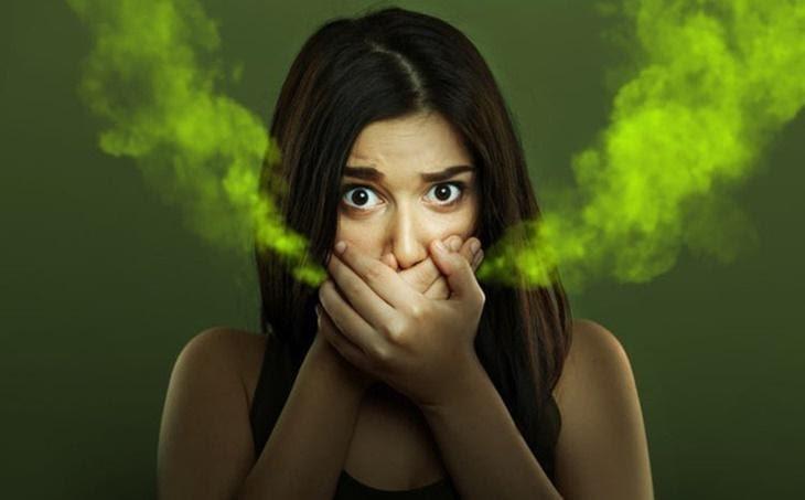 Khi bị ợ hoi có mùi thối bạn nên đi chữa càng sớm càng tốt