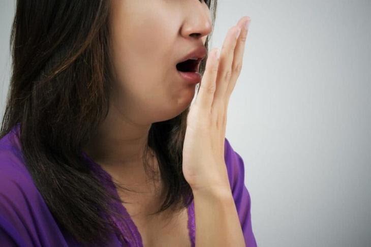 Ợ hơi có mùi hôi thối đôi khi là dấu hiệu của bệnh lý