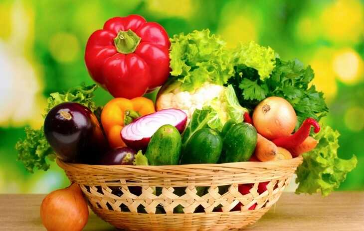 Ngoài áp dụng các phương pháp châm cứu, bấm huyệt người bệnh nên ăn nhiều rau củ quả