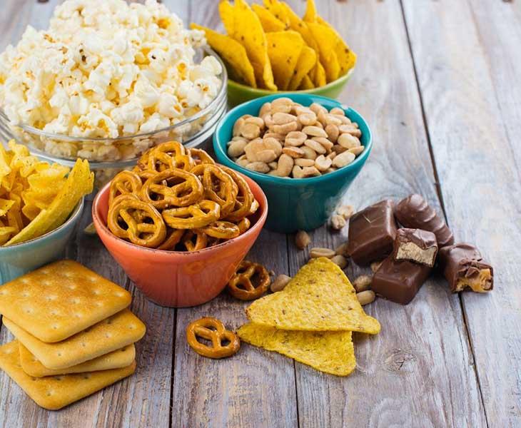 Thực đơn giảm cân cho học sinh cần hạn chế bánh kẹo