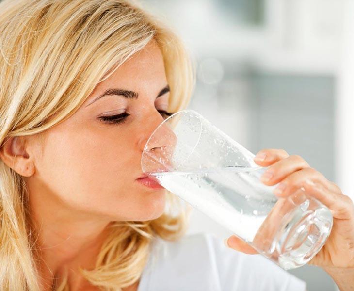 Thực đơn giảm cân trong 1 tháng cần bổ sung thêm nước mỗi ngày