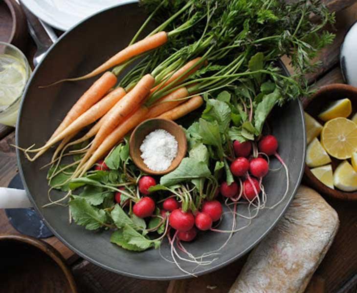 Người thừa cân nên bổ sung rau củ quả vào bữa ăn hàng ngày