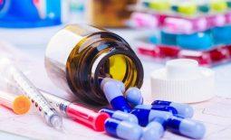 """Thuốc tây y là lựa chọn của rất nhiều người, trả lời cho câu hỏi """"ợ chua uống thuốc gì?"""""""