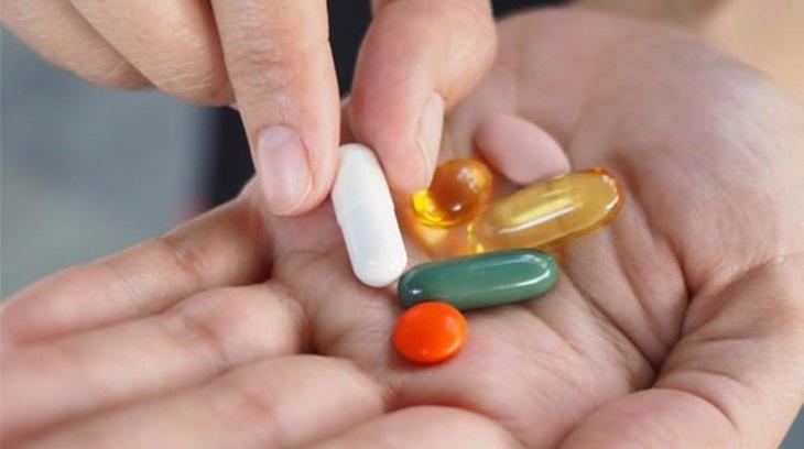 Thuốc kháng sinh toàn thân đường uống được sử dụng trong trường hợp người bệnh bị bội nhiễm