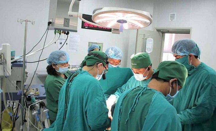 Phẫu thuật giúp giải quyết chấn thương trật khớp cùng đòn nhanh chóng, triệt để