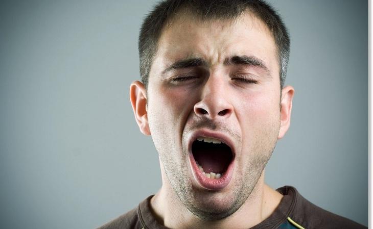 Ngáp quá to và đột ngột cũng có thể gây ra trật khớp quai hàm