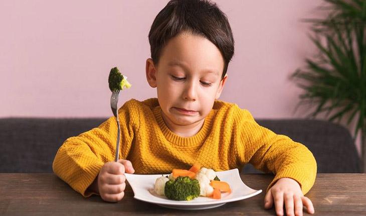 Khó tiêu sẽ khiến bé chán ăn
