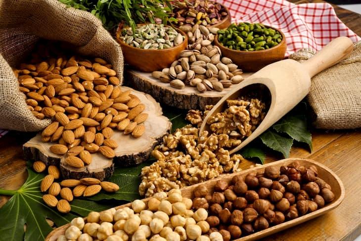 Các loại hạt khô giàu Omega-3 giảm tình trạng viêm, kích ứng