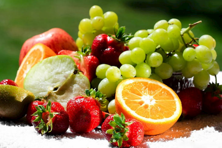 Sử dụng trái cây tươi hàng ngày có lợi cho làn da bị mụn