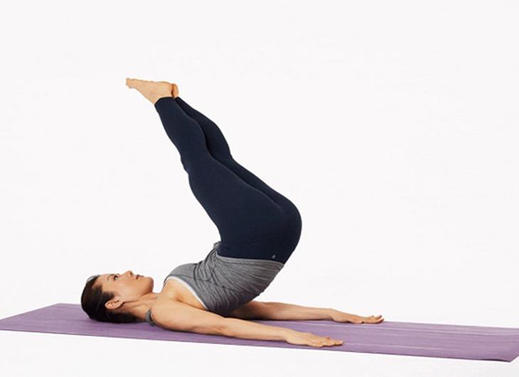Bài tập kết hợp này vừa giúp giảm mỡ bụng vừa thon gọn đùi