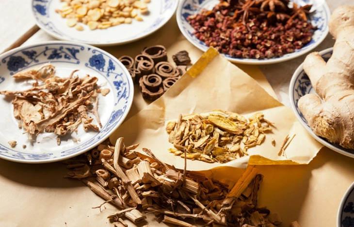 Kết hợp ô mai với các nguyên liệu khác giúp tăng công dụng trị ho