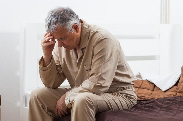 Bệnh nhân Mất ngủ do tuổi tác đã cao gây ra nhiều ảnh hưởng nghiêm trọng khác đến sức khỏe