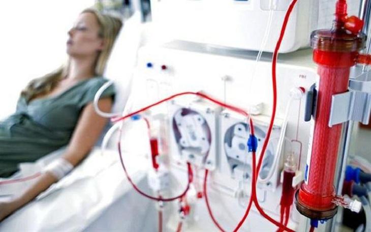 Cơ chế siêu lọc trong chạy thận khiến chất cặn bã tách khỏi máu sang khoang dịch lọc