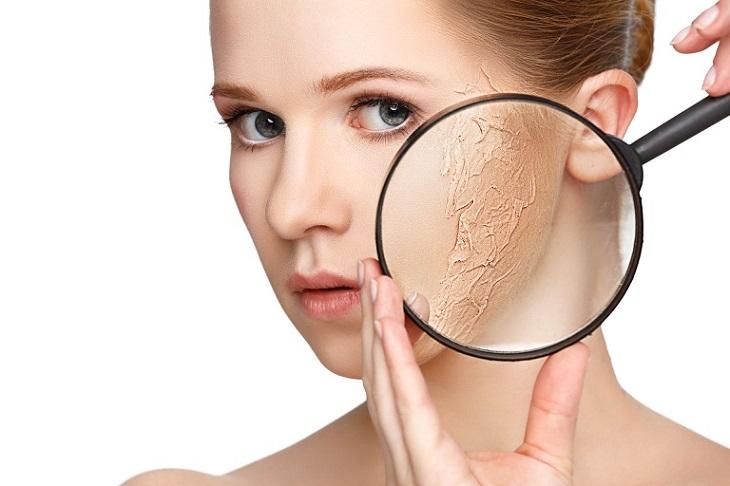 Nước hoa hồng cung cấp rất nhiều dưỡng chất cho da, được sử dụng để dưỡng ẩm và chăm sóc da rất tốt