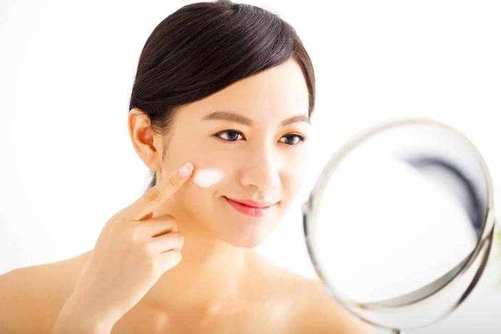 Cách chăm sóc hiệu quả để có làn da căng mọng