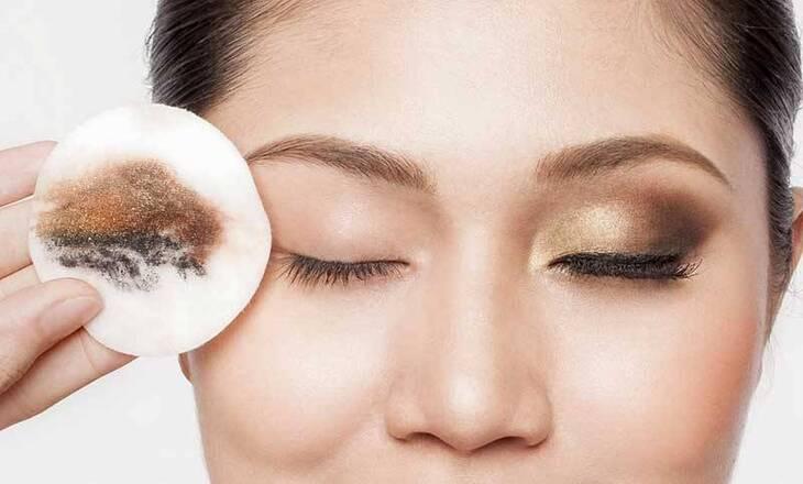 Nên dùng dầu tẩy trang cho da khô