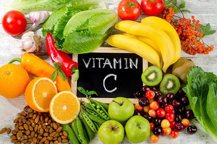 Bổ sung vitamin C để cân bằng axit uric trong máu